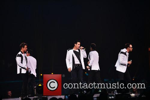 Donnie Wahlberg, Joey McIntyre, Jordan Knight, Jonathan Knight and Danny Wood 39