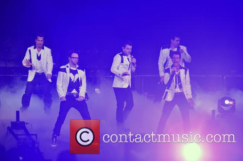 Donnie Wahlberg, Joey McIntyre, Jordan Knight, Jonathan Knight and Danny Wood 40