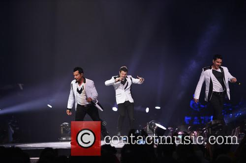 Donnie Wahlberg, Joey McIntyre, Jordan Knight, Jonathan Knight and Danny Wood 45