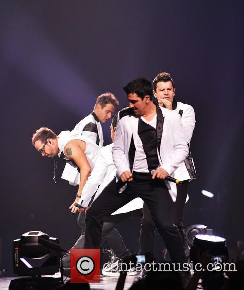 Donnie Wahlberg, Joey McIntyre, Jordan Knight, Jonathan Knight and Danny Wood 1