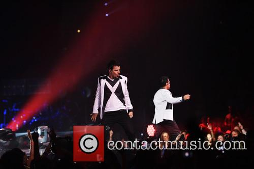 Donnie Wahlberg, Joey McIntyre, Jordan Knight, Jonathan Knight and Danny Wood 49
