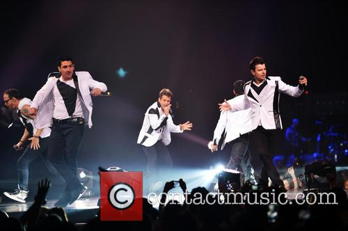 Donnie Wahlberg, Joey McIntyre, Jordan Knight, Jonathan Knight and Danny Wood 53