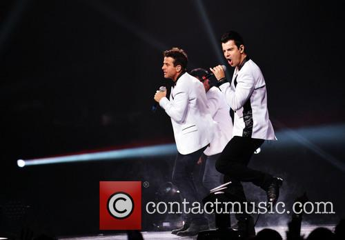 Donnie Wahlberg, Joey McIntyre, Jordan Knight, Jonathan Knight and Danny Wood 59