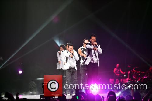 Donnie Wahlberg, Joey McIntyre, Jordan Knight, Jonathan Knight and Danny Wood 62