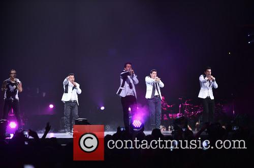 Donnie Wahlberg, Joey McIntyre, Jordan Knight, Jonathan Knight and Danny Wood 63