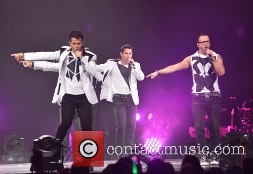 Donnie Wahlberg, Joey McIntyre, Jordan Knight, Jonathan Knight and Danny Wood 64
