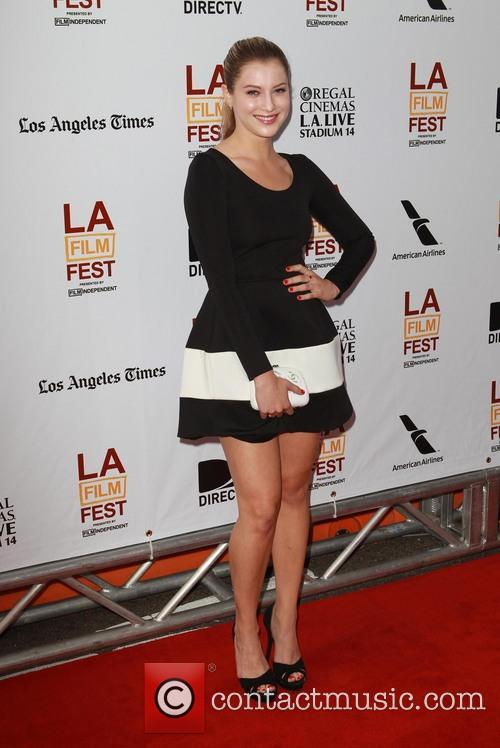 Zoe Levin 4