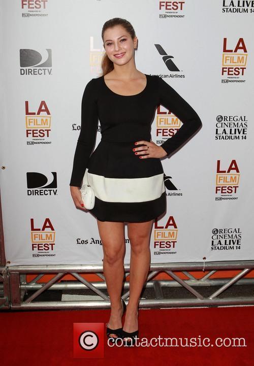 Zoe Levin 8