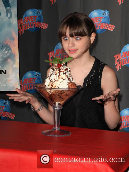 joey king joey king at planet hollywood 3733530