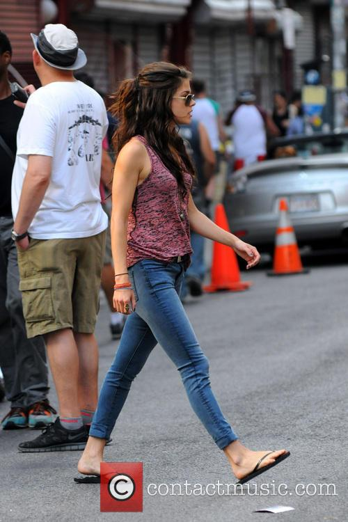 marie avgeropoulos filming of action movie tracers 3733582