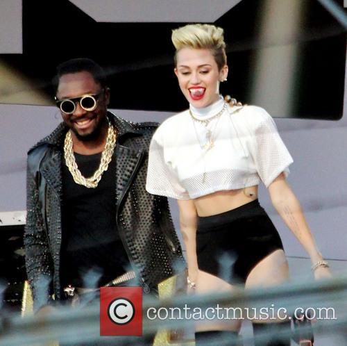 Miley Cyrus and Will.i.am 1