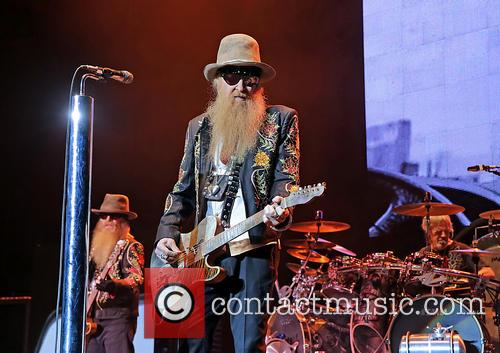 billy gibbons dusty hill frank beard zz top performing 3734708