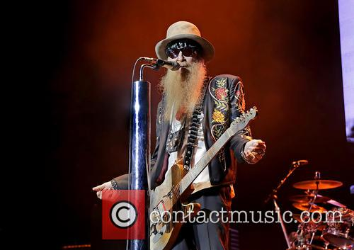 ZZ Top Performing at Manchester