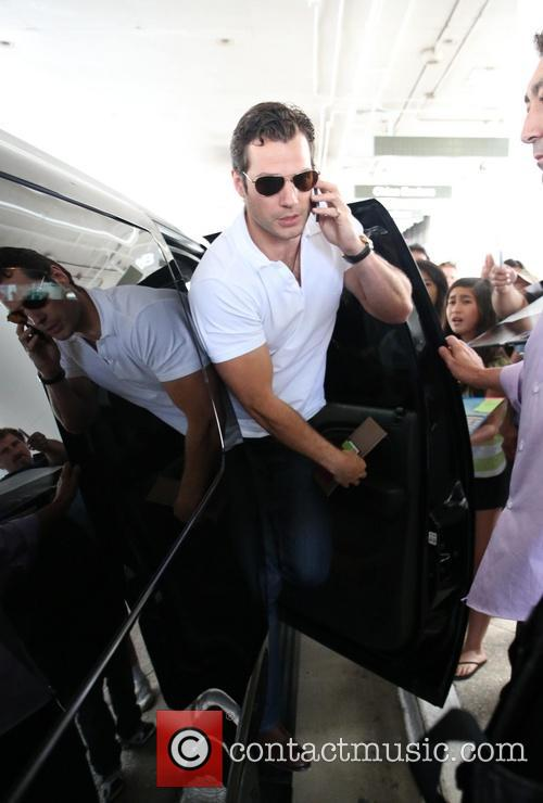 Henry Cavill, LAX airport