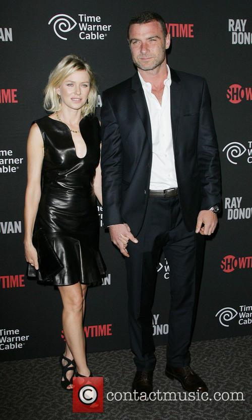 naomi watts liev schreiber showtimes new series premiere 3735175