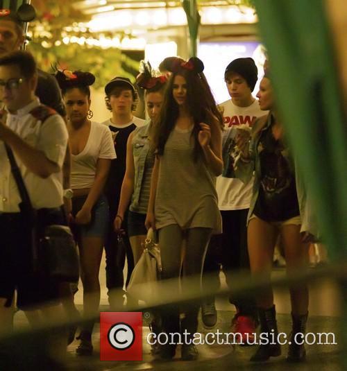 Selena Gomez and Emblem 3 3