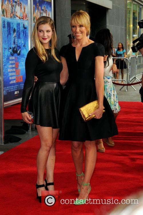 Toni Collette and Zoe Levin 3