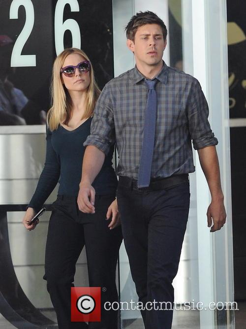 Kristen Bell and Chris Lowell 2