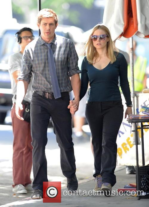 Kristen Bell and Chris Lowell 3