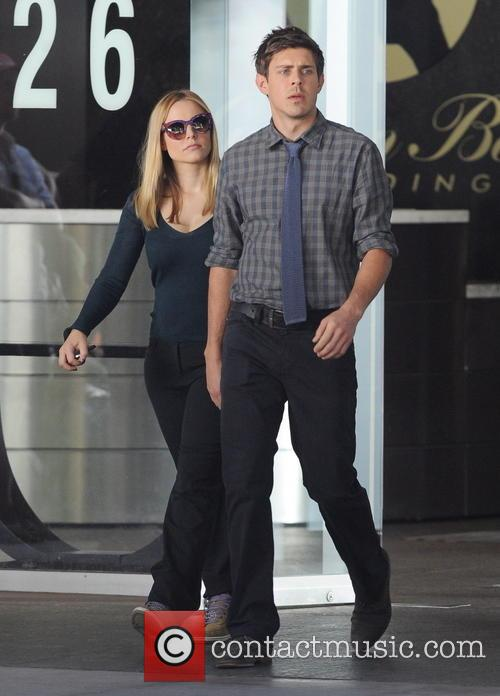 Kristen Bell and Chris Lowell 5