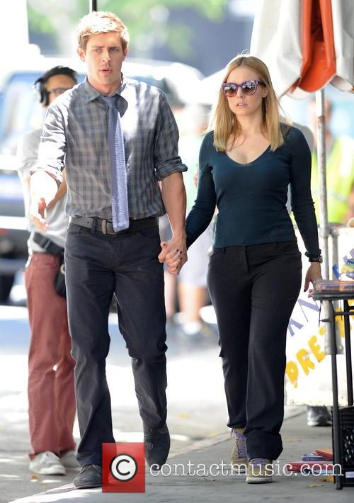 Kristen Bell and Chris Lowell 8