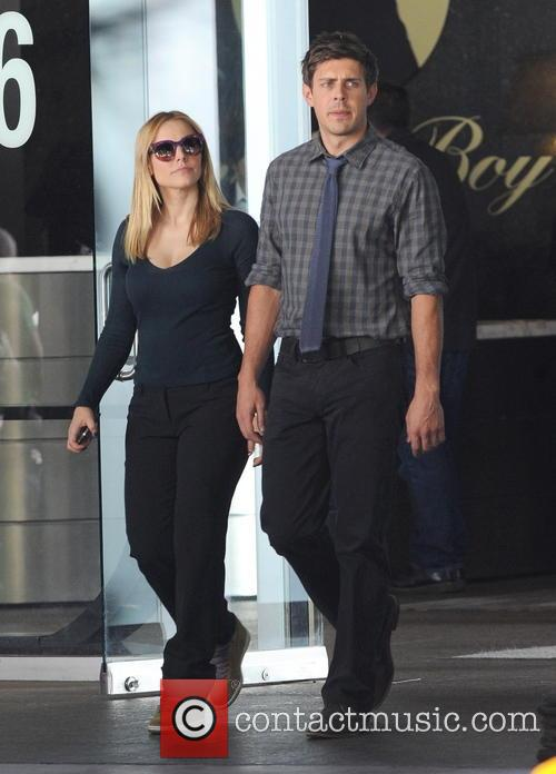Kristen Bell and Chris Lowell 10