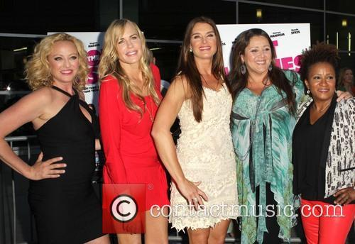 Virginia Madsen, Daryl Hannah, Brooke Shields, Camryn Manheim and Wanda Sykes 3