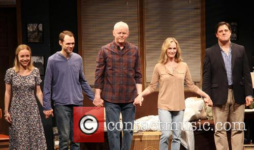 Sarah Goldberg, Christopher Denham, David Morse, Lisa Emery and Rich Sommer 4