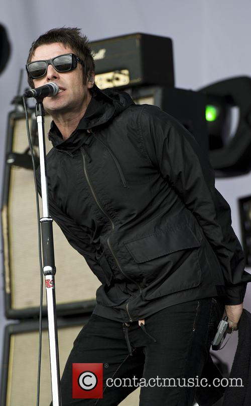 Liam Gallagher and Beady Eye 3