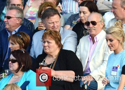 Rod Stewart, Jp Mcmanus and Dermot Desmond 4