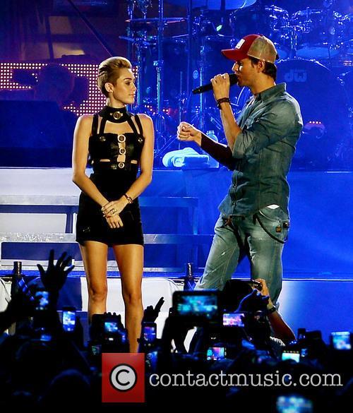 Miley Cyrus and Enrique Iglesias 2