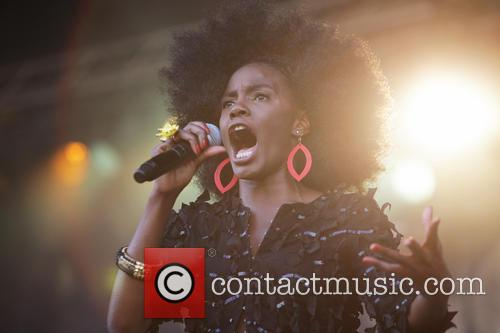 The Noisettes and Shingai Shoniwa 2