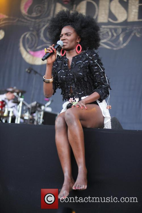 The Noisettes and Shingai Shoniwa 1