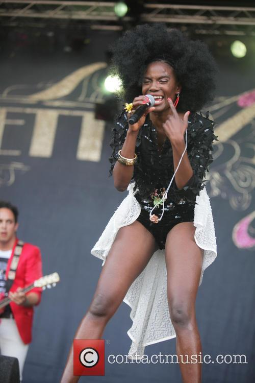the noisettes shingai shoniwa parkpop festival at zuiderpark 3743794
