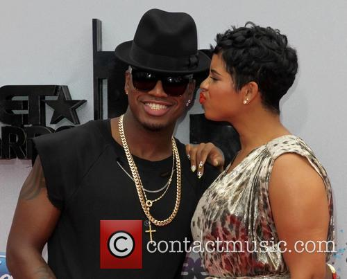 Ne-yo, Shaffer Chimere Smith and Guest 4