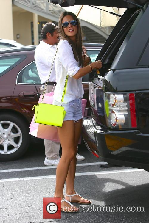 Alessandra Ambrosio, Brentwood Country Mart