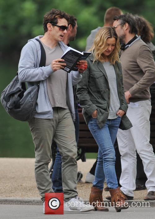 Kate Hudson and James Franco 11