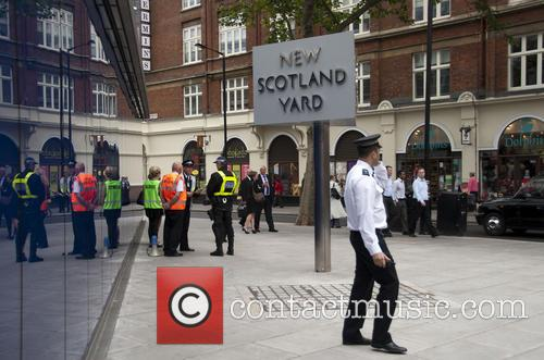 New Scotland Yard evacuated