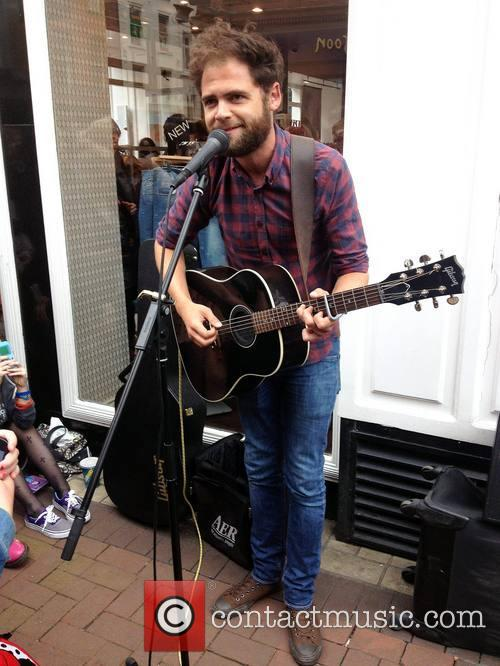mike rosenberg passenger passenger busks on grafton street 3745195