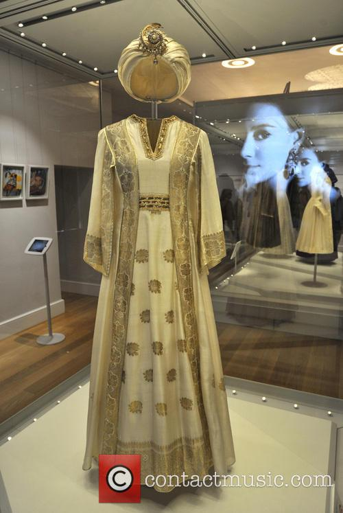 Dresses, The Queen, Princess Margaret, Princess Diana and Wales 4