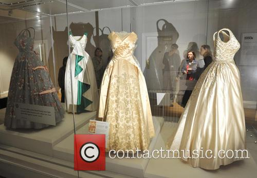 Dresses, The Queen, Princess Margaret, Princess Diana and Wales 5