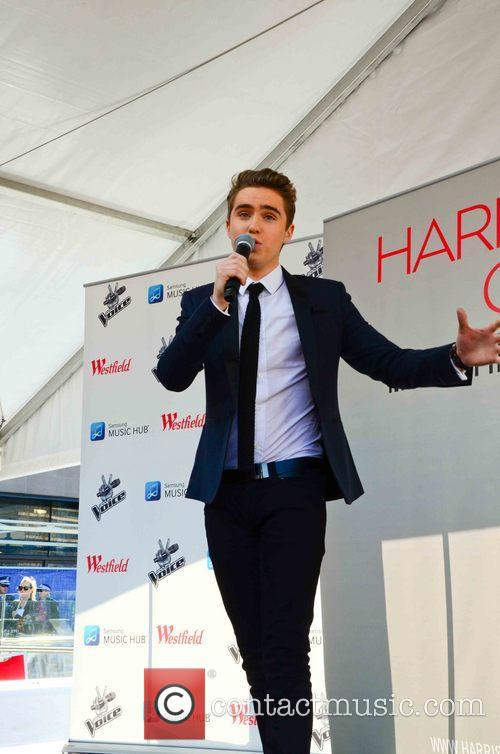 harrision craig harrision craig performing at chatswood 3745105
