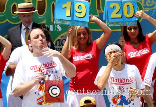 joey chestnut matt stonie 2013 nathans hot dog 3746447
