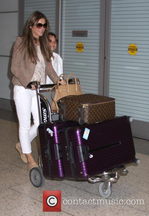 elizabeth hurley damian hurley elizabeth hurley arrives in 3746806