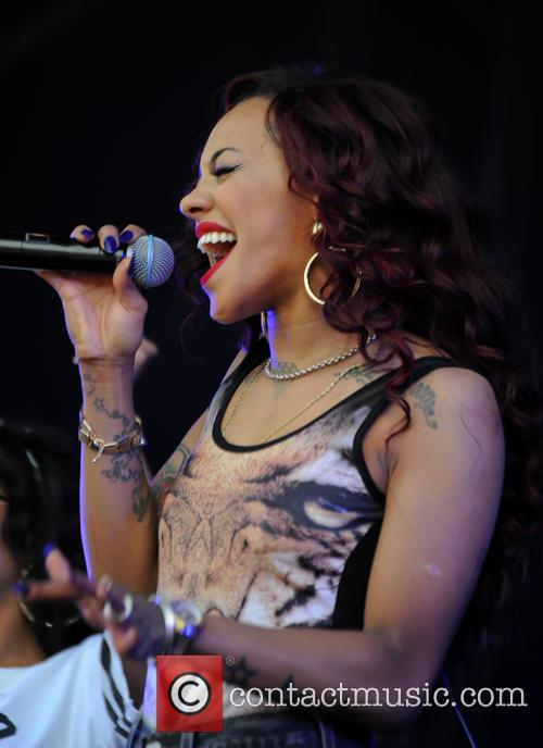 Karis Anderson and Stooshe 1