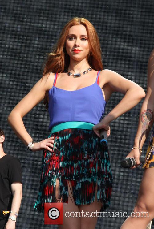 Una Healy and The Saturdays 2