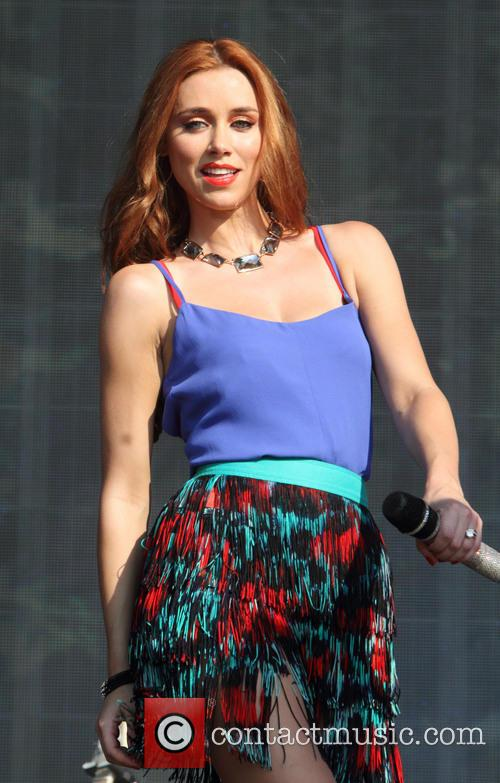 Una Healy and The Saturdays 3