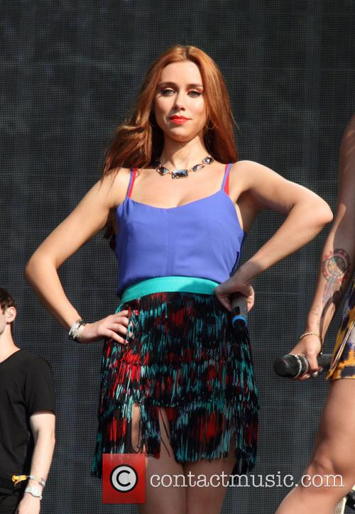 Una Healy and The Saturdays 5