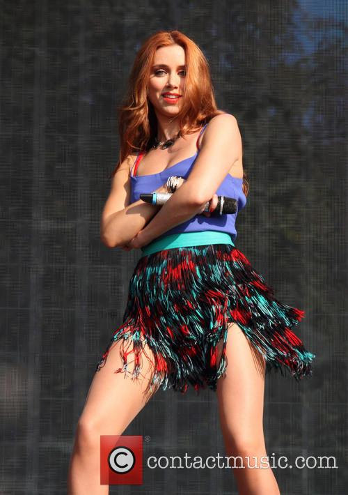 Una Healy and The Saturdays 1