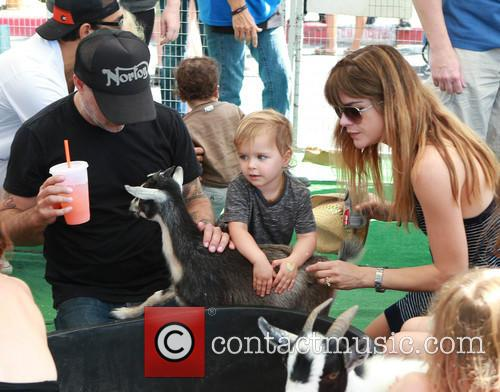 Selma Blair, Jason Bleick and Archie Bleick 1
